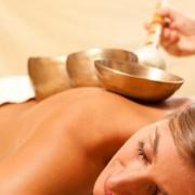 Hangmasszázs relaxációhoz és gyógyuláshoz