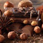 Élelmiszerek, melyek sok rezet tartalmaznak: csokoládé, mogyoró, dió, kakaó.