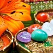 Gyógykövek és kőgyógyászat: drágakövek és kristályok terápiaként?