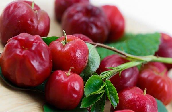 A C-vitamin-források élén egy különleges gyümölcs, az acerola cseresznye áll.
