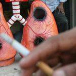 Cigarettafüst és kiégetett tüdő.