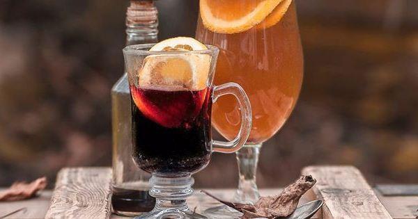 Forralt bor és forralt sör egymás mellett, eredeti nevükön Glühwein és grzane piwo.