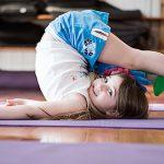 Figyelemzavar? Tanulási nehézségek? A jóga képes harmonizálni a gyerekek idegrendszerét