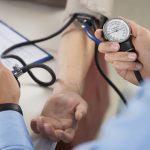 Milyen összefüggés van a magas vérnyomás és a memóriaproblémák között?