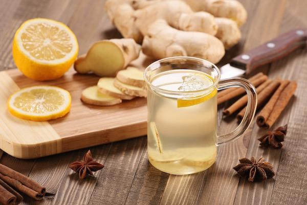 Puffadásra a legjobb ellenszer: gyömbértea citrommal, fahéjjal és ánizzsal.