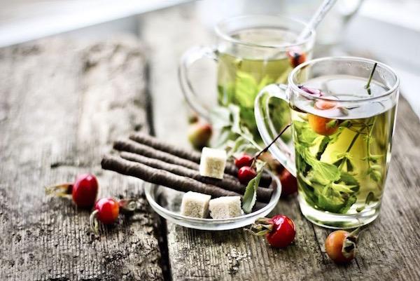 Őszi gyógynövénytea csipkebogyóval, nádcukorral , fahéjjal, citromfűvel.