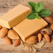 A vitaminokban gazdag mandula, melynek olajából szappant is készíthet szeretteinek