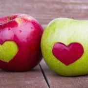 Engedje, hogy az édes és zamatos alma kísértésbe ejtse!