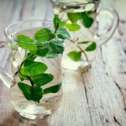 Gyógynövényekkel és fűszerekkel a hasfájás ellen