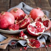Májvédelmező gyógynövények: máriatövis, borsmenta, articsóka, gránátalma és cickafark