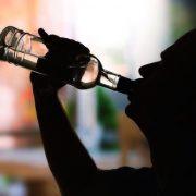 Az alkoholizmus beteggé tesz, butít, nyomorba dönt és sírba visz