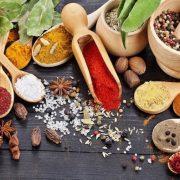 A legjobb gyulladásgátló táplálékok, gyógynövények és fűszerek