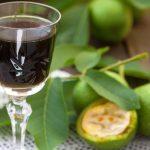 Gyógyítás és élvezet: dióesszencia és diólikőr