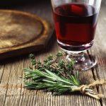 Gyógynövényes bor mint húsvéti ajándék