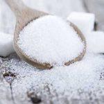 Táplálékok, amelyek felerősíthetik a pikkelysömör tüneteit