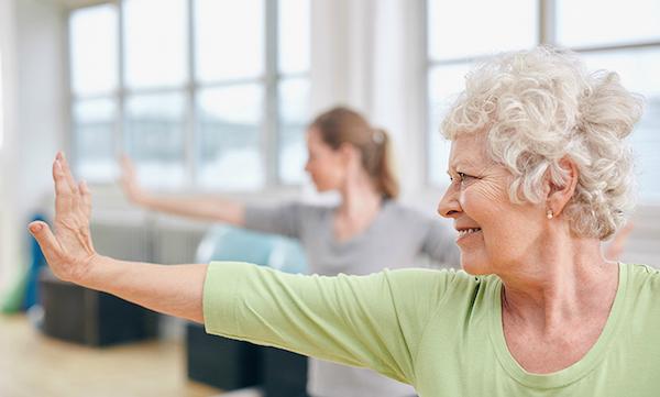 Könnyed tornagyakorlatok az idősebb korosztály számára.