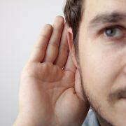 Hallásprobléma, amely nem csak az idősebb embereket érintheti