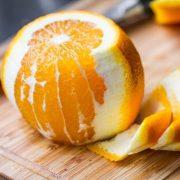 Kellemes illatú és egészséges tisztítószerek narancshéjból és gyógynövényes illóolajból