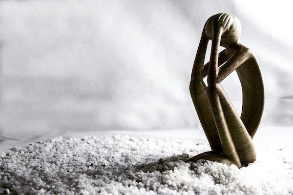 Depressziót megjelenítő figura.