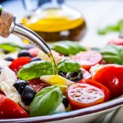 A mediterrán étrend csökkenti a korai halálozás kockázatát