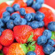 Az áfonya és az eper csökkenti az időskori kognitív károsodást