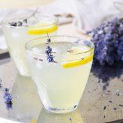 Nyári limonádéreceptek bazsalikommal, levendulával és rozmaringgal
