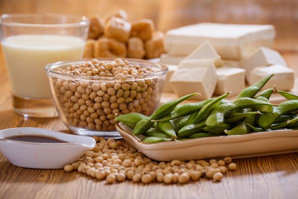 Növényi fitoösztrogéneket tartalmazó élelmiszerek: zöldbab, csicseriborsó, szója, miso.