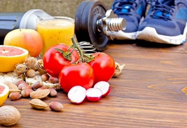 Egészséges életmód feltételei: sok zöldség és gyümölcs, sport szeretete.