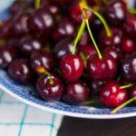 Érett, bordó és kicsattan az egészségtől: cseresznye