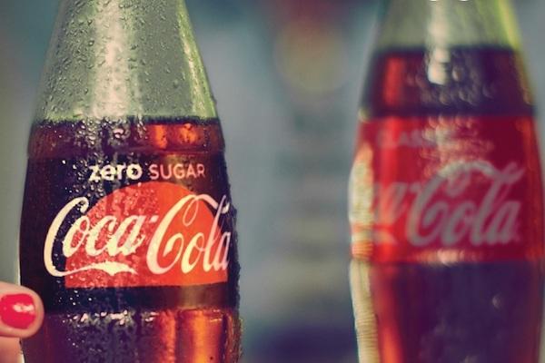 Zero Cola jégbe hűtve.