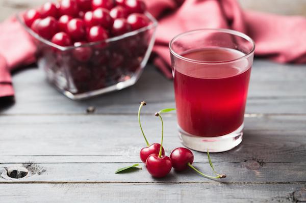 Cseresznye és a belőle készült gyümölcslé.