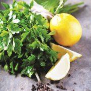 A vesekő ellenségei: petrezselyem és citrom