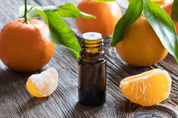 Mandarinok és a belőlük készült illóolaj.