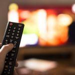 Miért kapcsolja ki a tévét elalvás előtt?