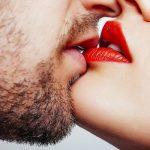A csók egészségügyi előnyei