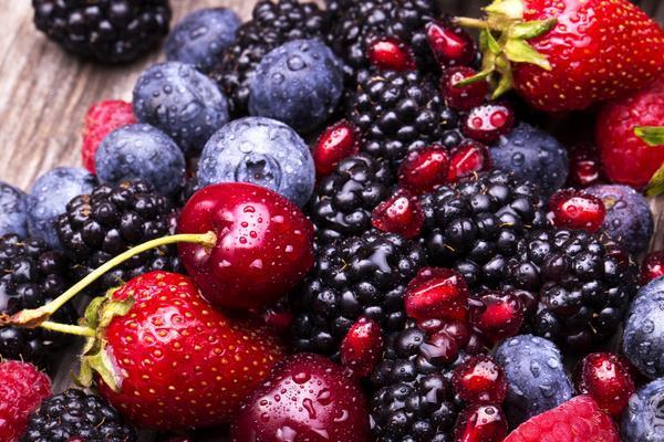 Bogyós gyümölcsök vegyesen.