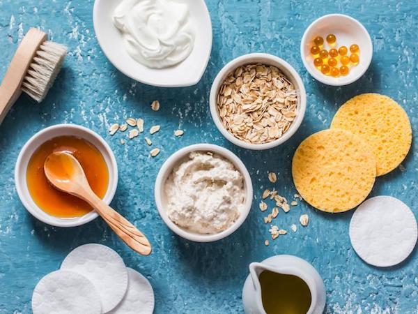 Arctisztítás természetes alapanyagokkal: méz, natúr joghurt, zabpehely, zöld tea, E-vitamin.