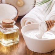 Száraz bőr ellen joghurt, olívaolaj, méz és kókuszolaj