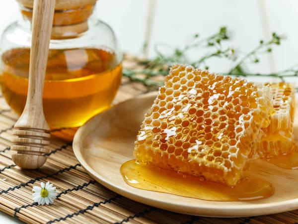 Méz és propolisz.