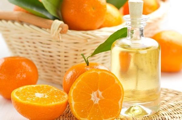 Narancs és narancsillóolaj.