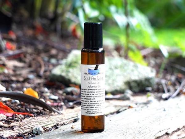 Nardostachys Jatamansi gyógynövényből készült illóolaj.