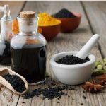 Miért jó, ha van otthon feketeköménymag-olaj?