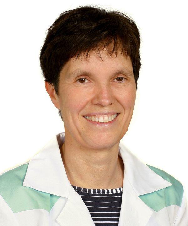 Dr Augusztinovicz Mónika, fül-orr-gégész, allergológus orvos.